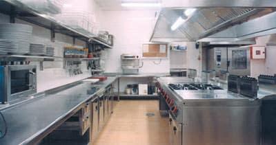 La limpieza en las cocinas colectivas es un factor importante para la satisfacción del cliente