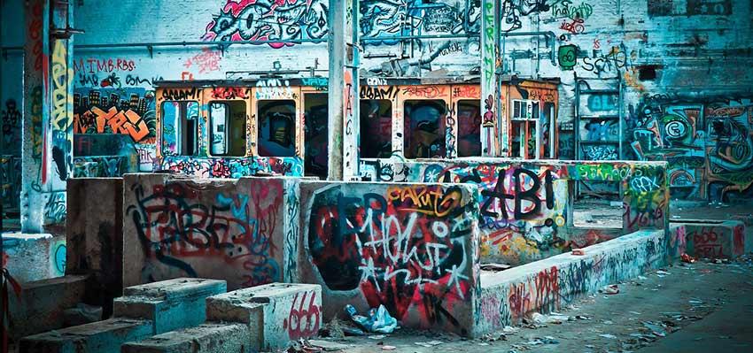 Cómo limpiar grafitis de la pared