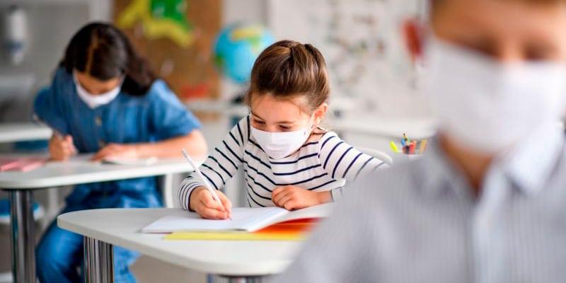 Desinfección de COVID-19 en colegios