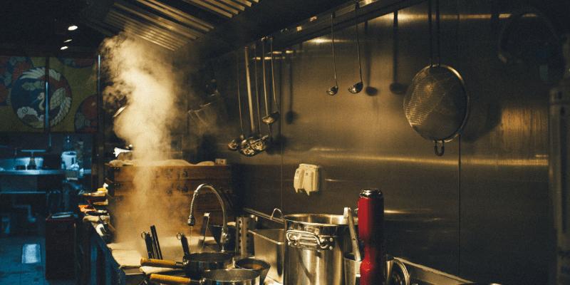 Limpieza de campanas industriales para prevenir incendios